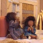 Kinder mit frischem Brot