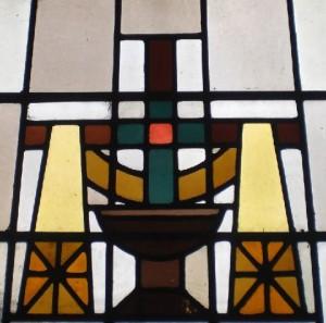 Kirchenfenster zum Weihesakrament